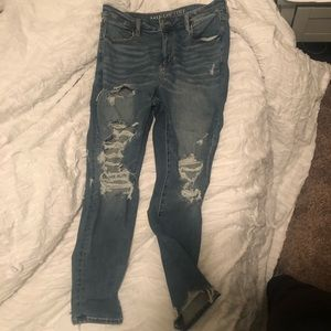 American Eagle High Waisted Ripped Jegging